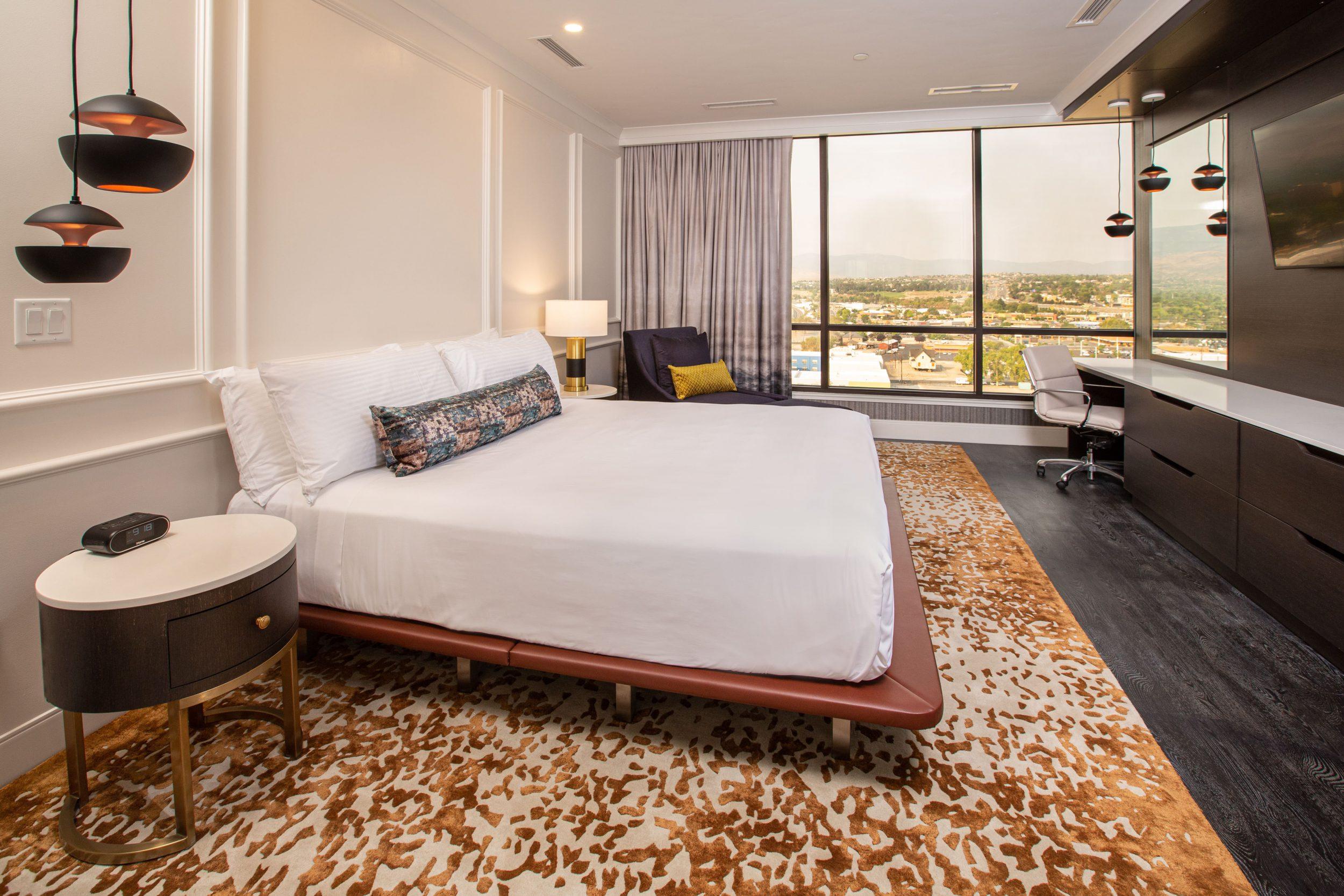 Bedroom 759
