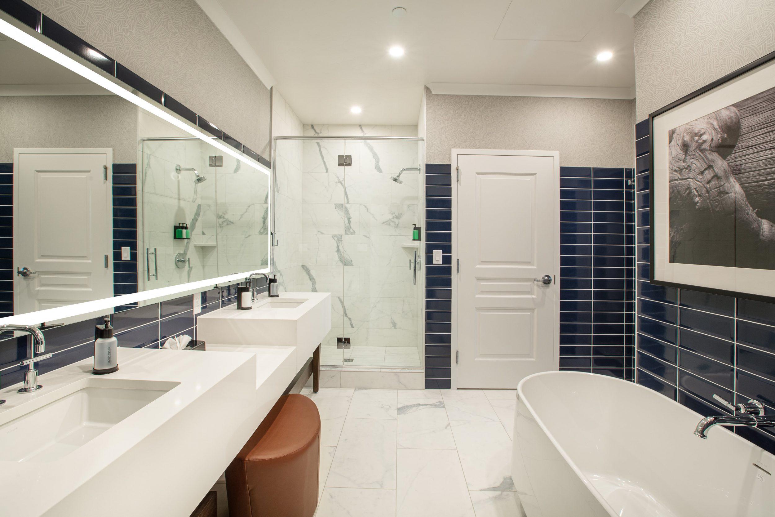 Bathroom with Soker Tub